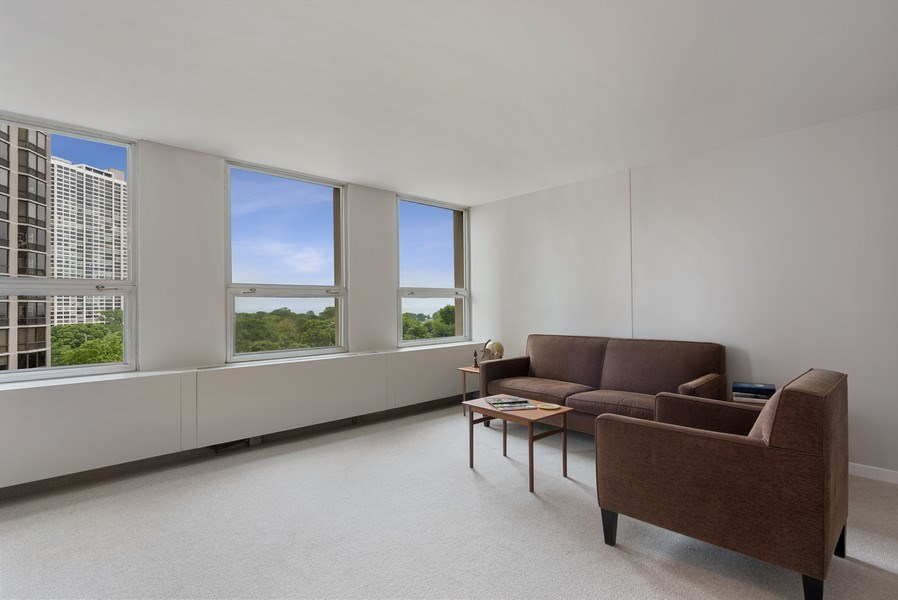 Real Estate Photography - 2626 North Lakeview Ave, 711, Chicago, IL, 60614 - Living Room