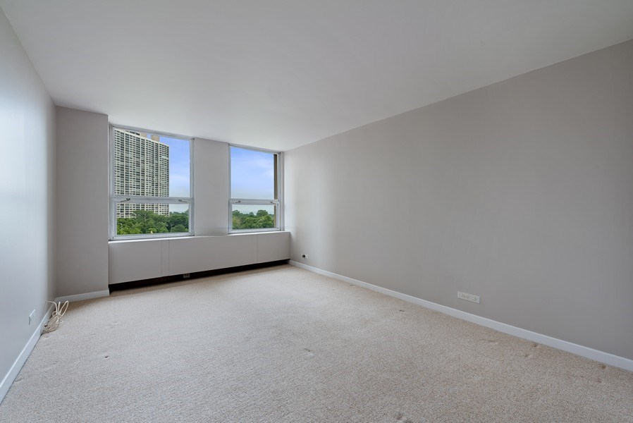 Real Estate Photography - 2626 North Lakeview Ave, 711, Chicago, IL, 60614 - Bedroom