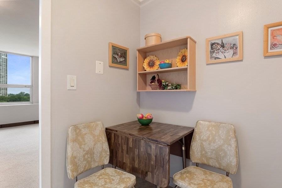 Real Estate Photography - 2626 North Lakeview Ave, 711, Chicago, IL, 60614 - Breakfast Area