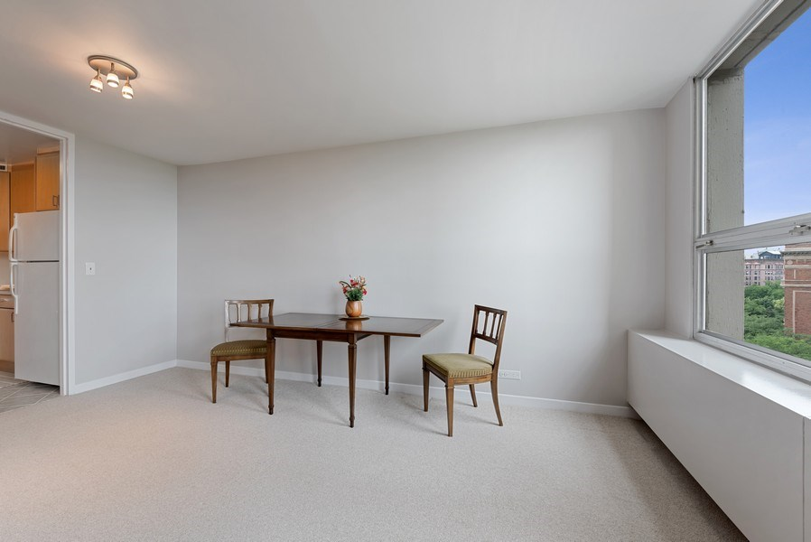 Real Estate Photography - 2626 North Lakeview Ave, 711, Chicago, IL, 60614 - Dining Area