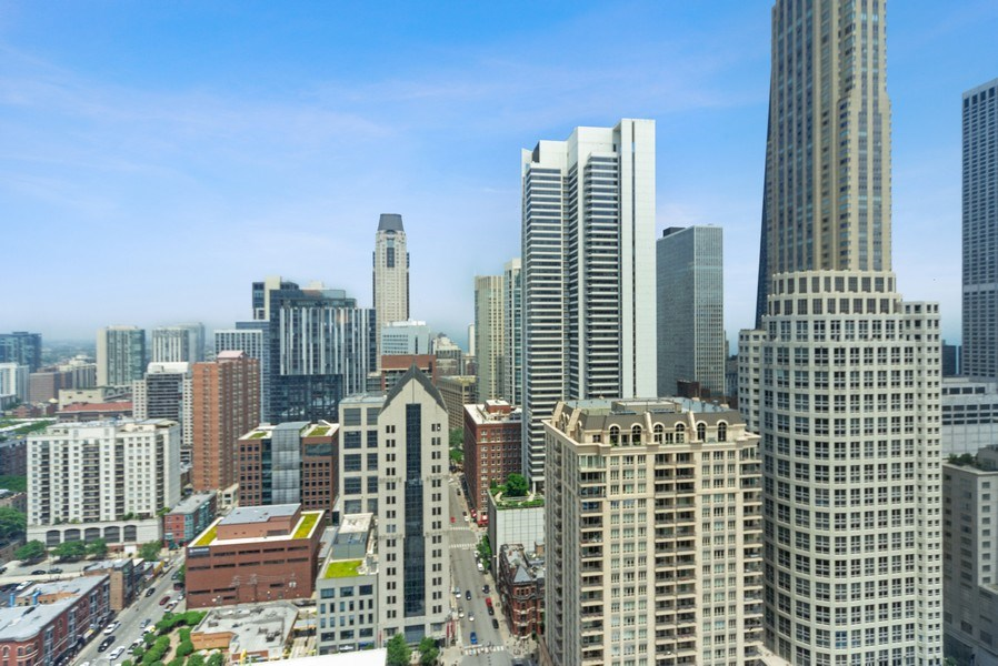 Real Estate Photography - 25 E. SUPERIOR Street, Unit 3205, Chicago, IL, 60611 - City View