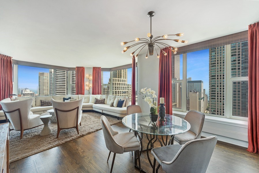 Real Estate Photography - 25 E. SUPERIOR Street, Unit 3205, Chicago, IL, 60611 - Dining Room