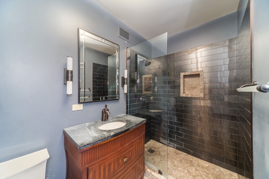 Real Estate Photography - 25 E. SUPERIOR Street, Unit 3205, Chicago, IL, 60611 - 2nd Bathroom