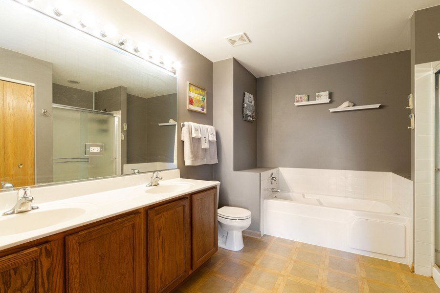 Real Estate Photography - 1270 W. Black Wolf Road, Round Lake, IL, 60073 - Master Bathroom