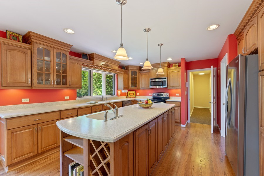 Real Estate Photography - 24841 South Drive, Tower Lakes, IL, 60010 - Kitchen