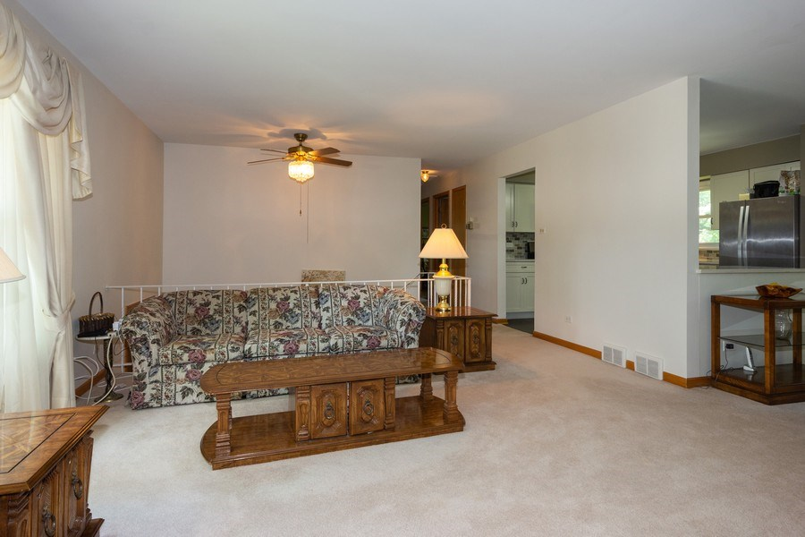 Real Estate Photography - 6324 Honey Lane, Tinley Park, IL, 60477 - Living Room