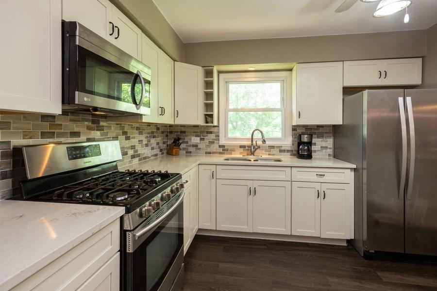 Real Estate Photography - 6324 Honey Lane, Tinley Park, IL, 60477 - Kitchen
