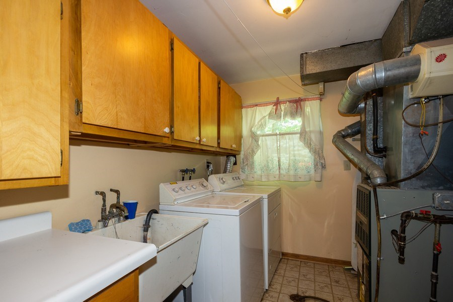 Real Estate Photography - 6324 Honey Lane, Tinley Park, IL, 60477 - Laundry Room