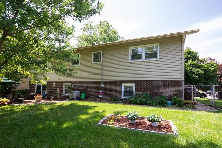 Real Estate Photography - 6324 Honey Lane, Tinley Park, IL, 60477 - Rear View