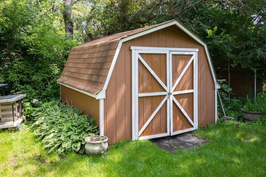 Real Estate Photography - 6324 Honey Lane, Tinley Park, IL, 60477 - Barn