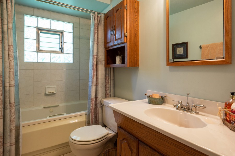 Real Estate Photography - 6324 Honey Lane, Tinley Park, IL, 60477 - Bathroom