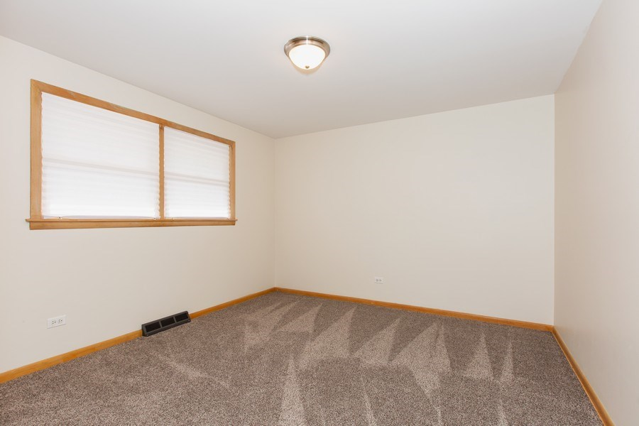 Real Estate Photography - 17538 70th Court, Tinley Park, IL, 60477 - 3rd Bedroom