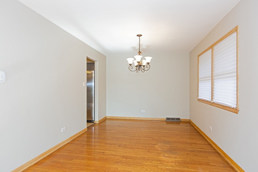 Real Estate Photography - 17538 70th Court, Tinley Park, IL, 60477 - Dining Room