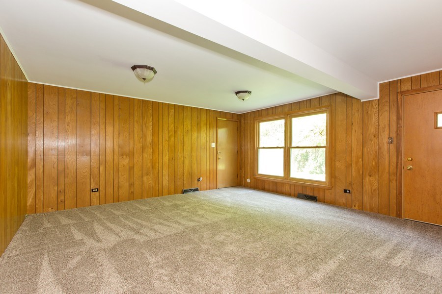 Real Estate Photography - 17538 70th Court, Tinley Park, IL, 60477 - Family Room