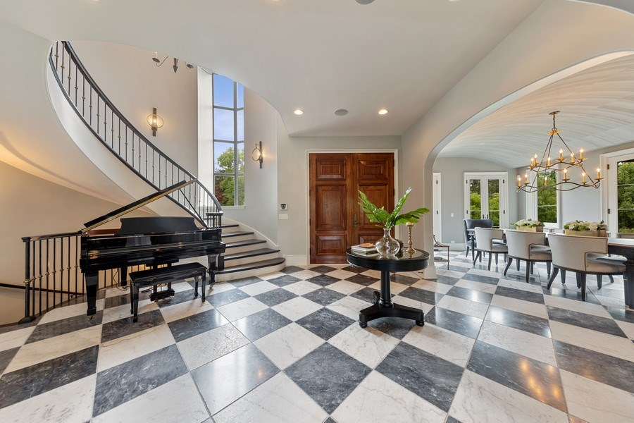 Real Estate Photography - 7430 Arbor Avenue, Burr Ridge, IL, 60527 - Foyer