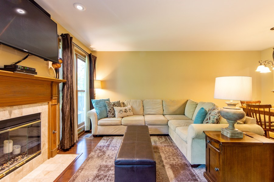 Real Estate Photography - 1950 N. Coldspring Road, Arlington Heights, IL, 60004 - Living Room