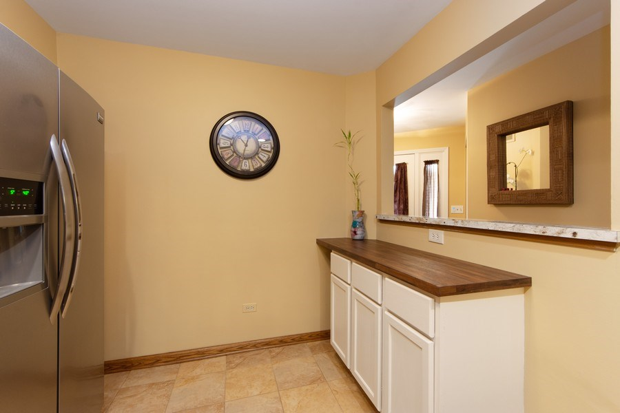 Real Estate Photography - 1950 N. Coldspring Road, Arlington Heights, IL, 60004 - Breakfast Area