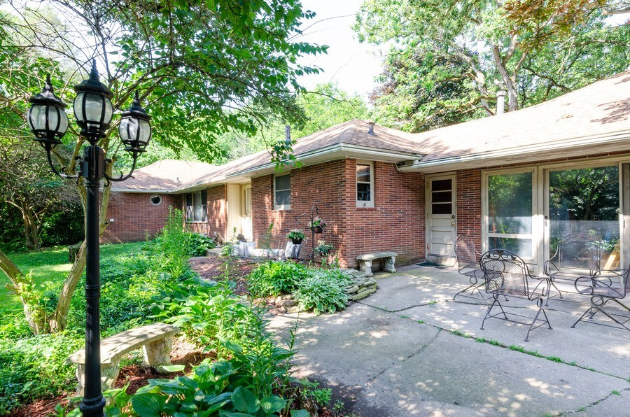 Real Estate Photography - 35W249 COUNTRY SCHOOL Road, Dundee, IL, 60118 - Front View