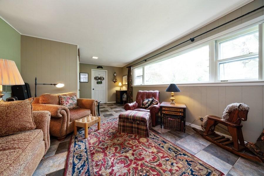 Real Estate Photography - 107 N. Kaspar Avenue, Arlington Heights, IL, 60005 - Family Room