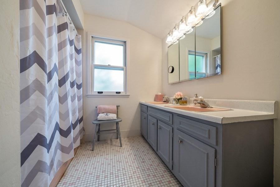 Real Estate Photography - 107 N. Kaspar Avenue, Arlington Heights, IL, 60005 - Bathroom
