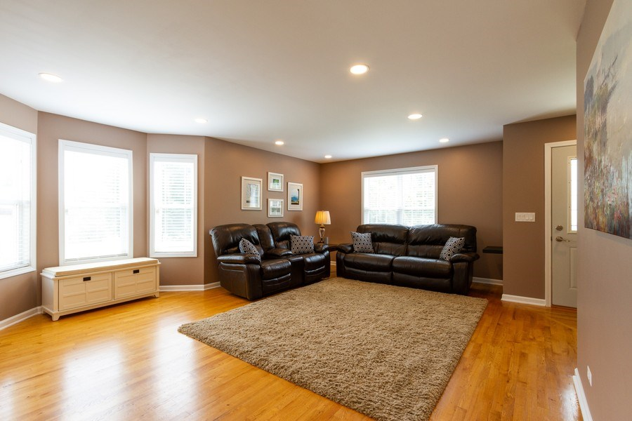 Real Estate Photography - 15 Ash Drive, Oakwood Hills, IL, 60013 - Living Room