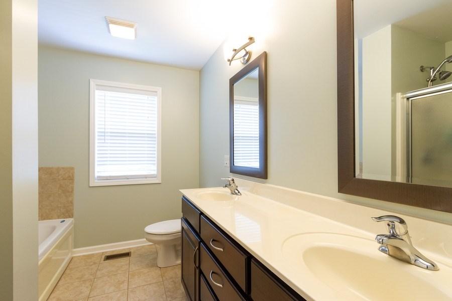 Real Estate Photography - 15 Ash Drive, Oakwood Hills, IL, 60013 - Master Bathroom
