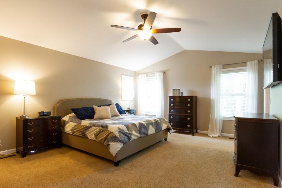 Real Estate Photography - 15 Ash Drive, Oakwood Hills, IL, 60013 - Master Bedroom