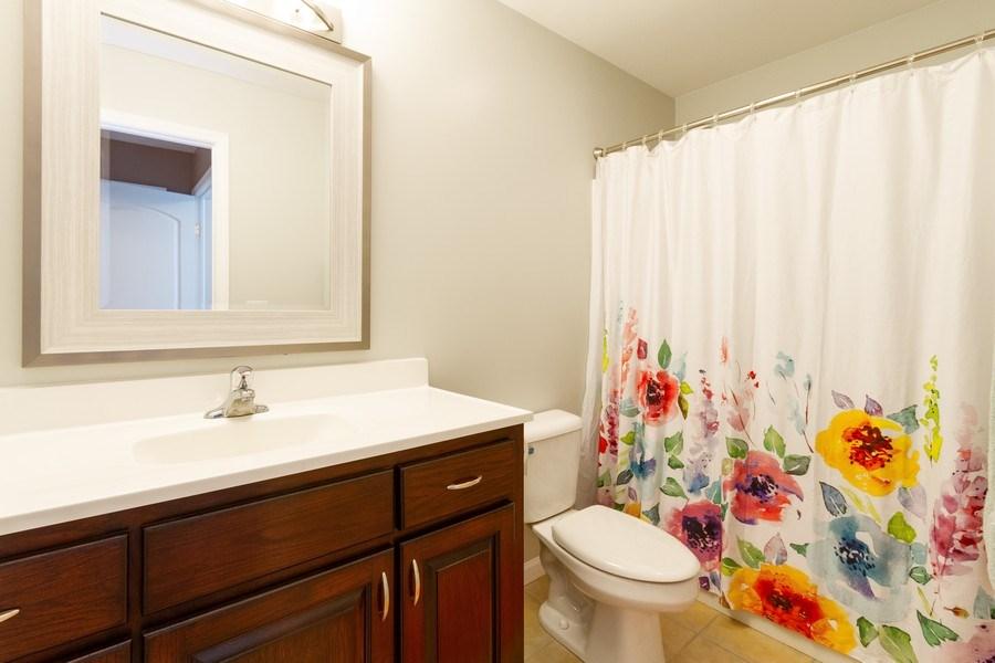 Real Estate Photography - 15 Ash Drive, Oakwood Hills, IL, 60013 - Bathroom