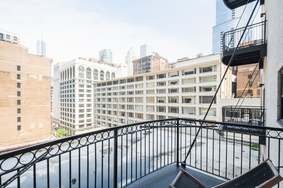 Real Estate Photography - 8 W. MONROE Street, Unit 908, Chicago, IL, 60603 - Balcony