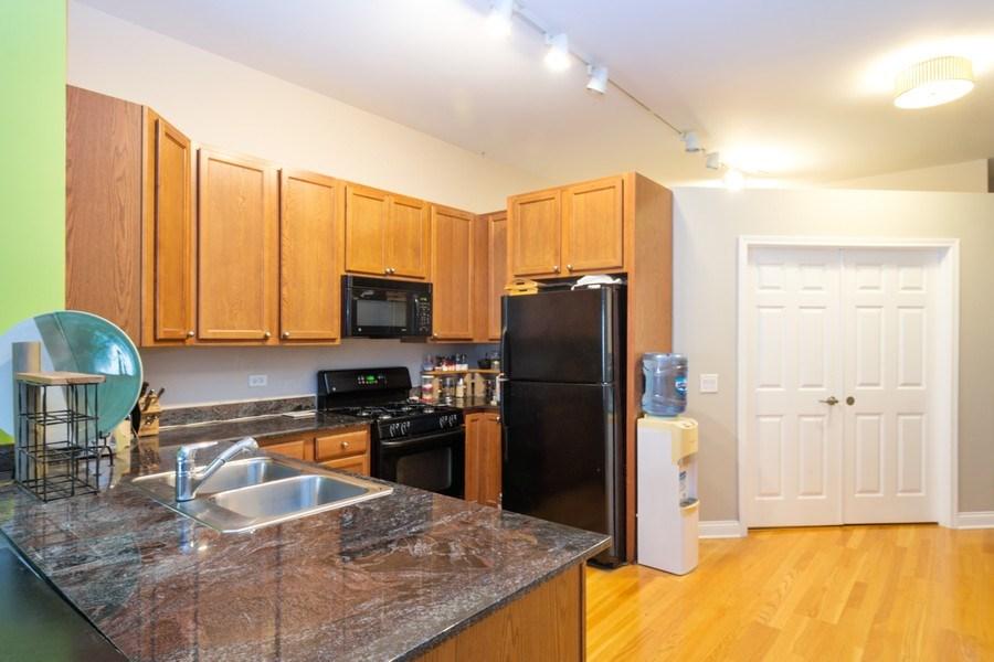 Real Estate Photography - 8 W. MONROE Street, Unit 908, Chicago, IL, 60603 - Kitchen