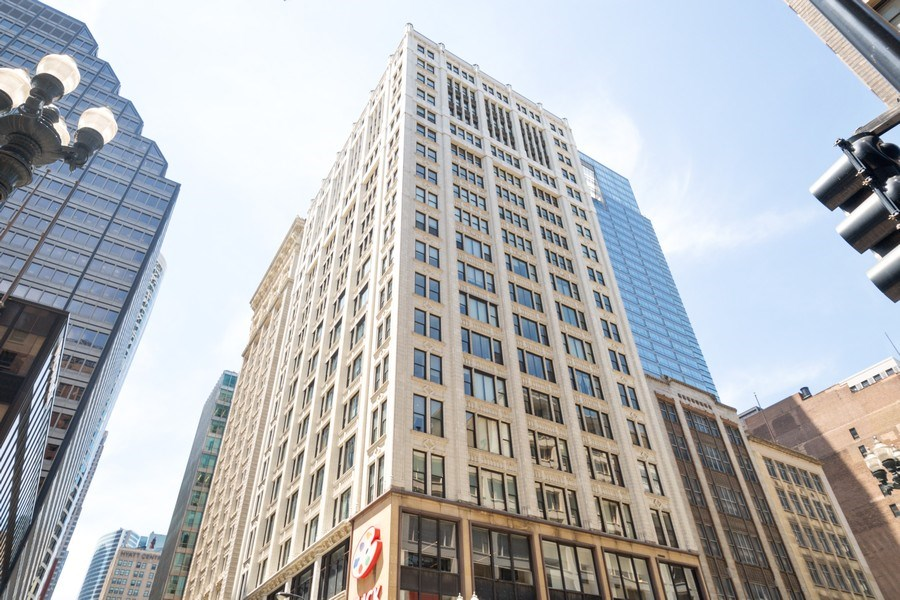Real Estate Photography - 8 W. MONROE Street, Unit 908, Chicago, IL, 60603 - Front View