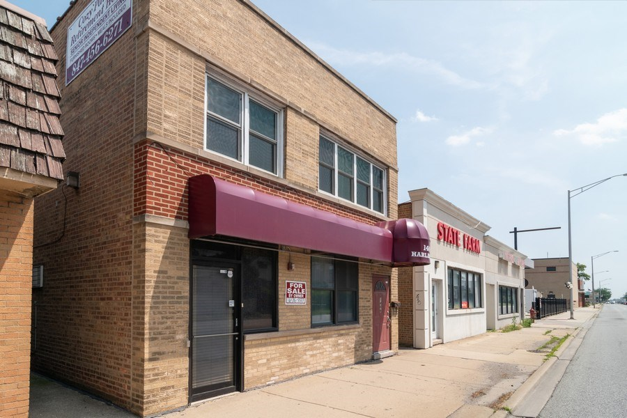 Real Estate Photography - 1409 Harlem Ave, Berwyn, IL, 60402 - Side View