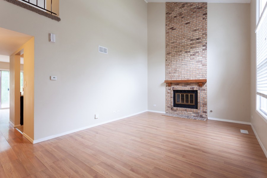 Real Estate Photography - 2930 Pine Tree Court, Aurora, IL, 60502 - Living Room