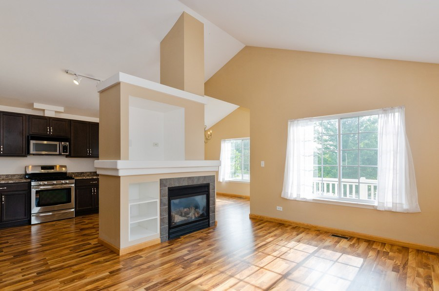 Real Estate Photography - 414 Cary Woods Circle, Unit 0, Cary, IL, 60013 - Living Room