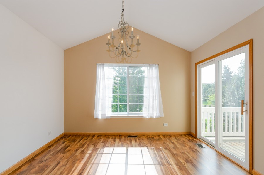 Real Estate Photography - 414 Cary Woods Circle, Unit 0, Cary, IL, 60013 - Dining Room