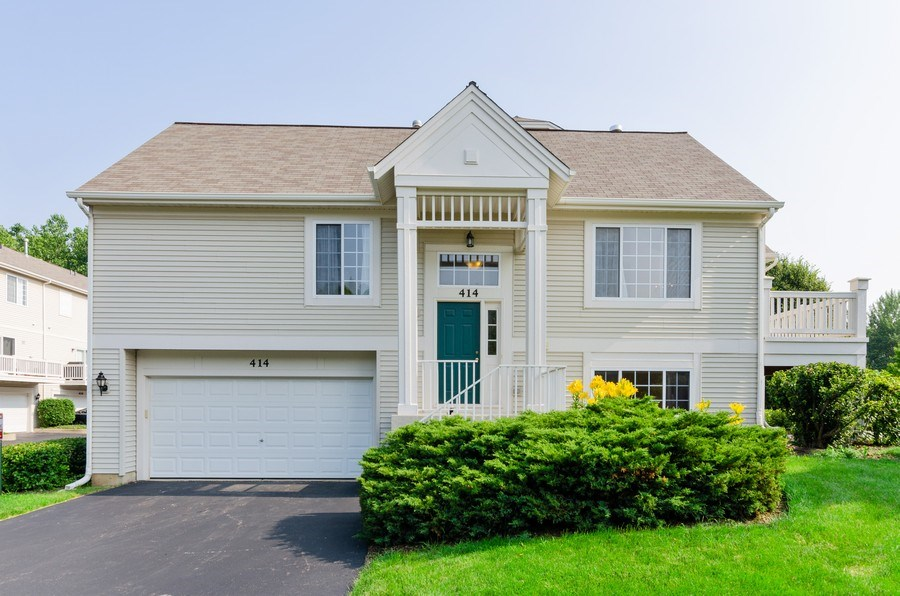 Real Estate Photography - 414 Cary Woods Circle, Unit 0, Cary, IL, 60013 - Front