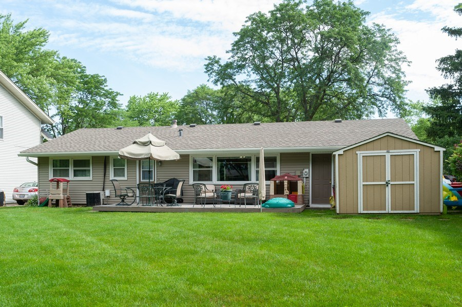 Real Estate Photography - 621 W. Weathersfield Way, Schaumburg, IL, 60193 - Rear View