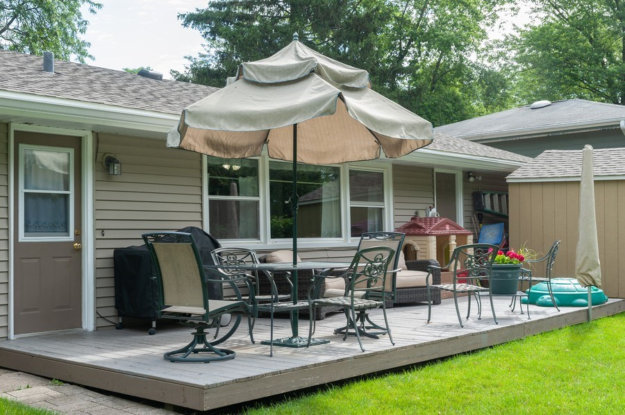 Real Estate Photography - 621 W. Weathersfield Way, Schaumburg, IL, 60193 - Patio