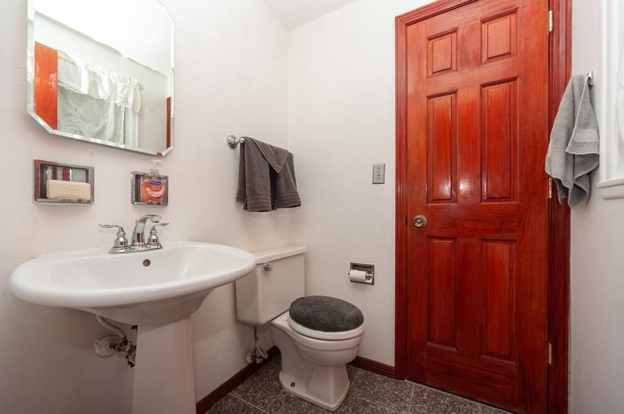 Real Estate Photography - 621 W. Weathersfield Way, Schaumburg, IL, 60193 - 2nd Bathroom
