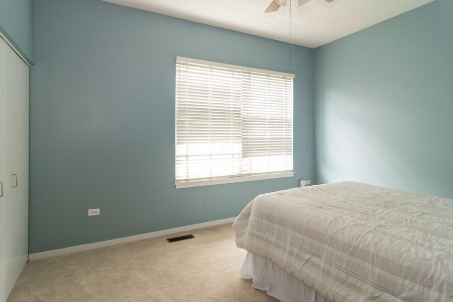 Real Estate Photography - 101 N. Euclid Avenue, Unit 19, Oak Park, IL, 60301 - 2nd Bedroom