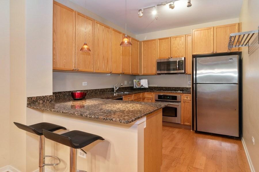 Real Estate Photography - 101 N. Euclid Avenue, Unit 19, Oak Park, IL, 60301 - Kitchen