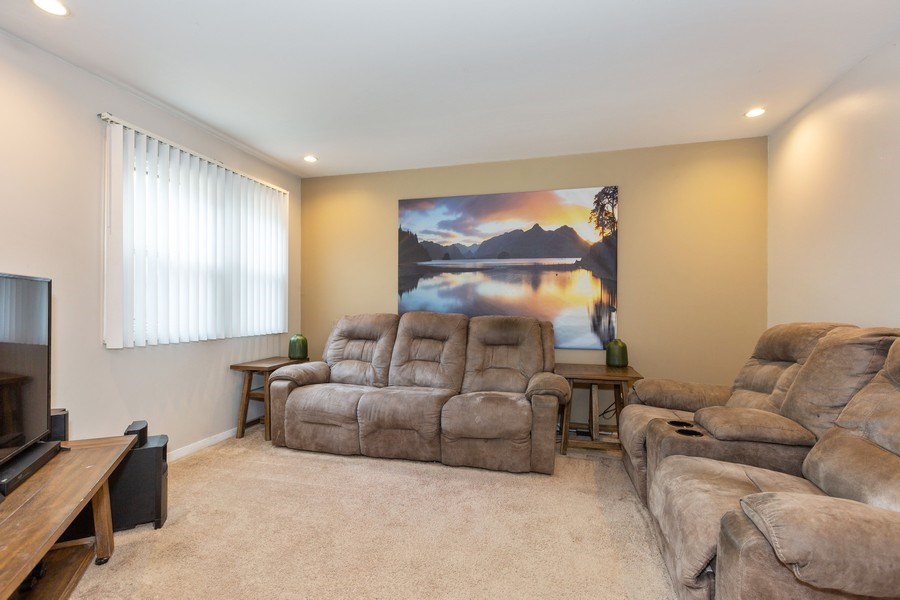 Real Estate Photography - 7S409 CREEK Drive, Naperville, IL, 60540 - FAMILY ROOM