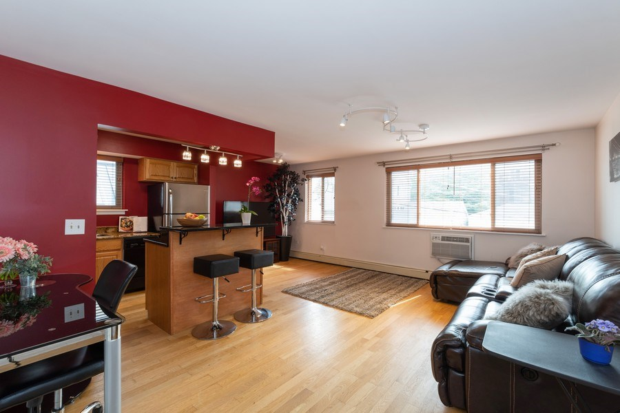 Real Estate Photography - 4881 N. Hermitage Avenue, Unit 102, Chicago, IL, 60640 - ENTERING OPEN ROOMS