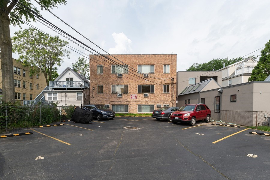 Real Estate Photography - 4881 N. Hermitage Avenue, Unit 102, Chicago, IL, 60640 - Rear View