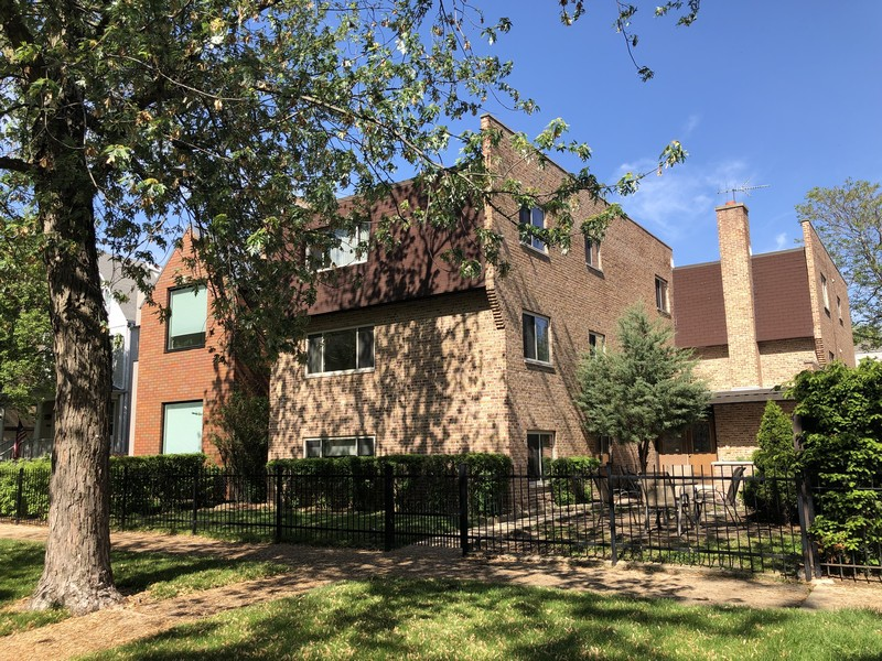 Real Estate Photography - 4881 N. Hermitage Avenue, Unit 102, Chicago, IL, 60640 - FRONT IN PM