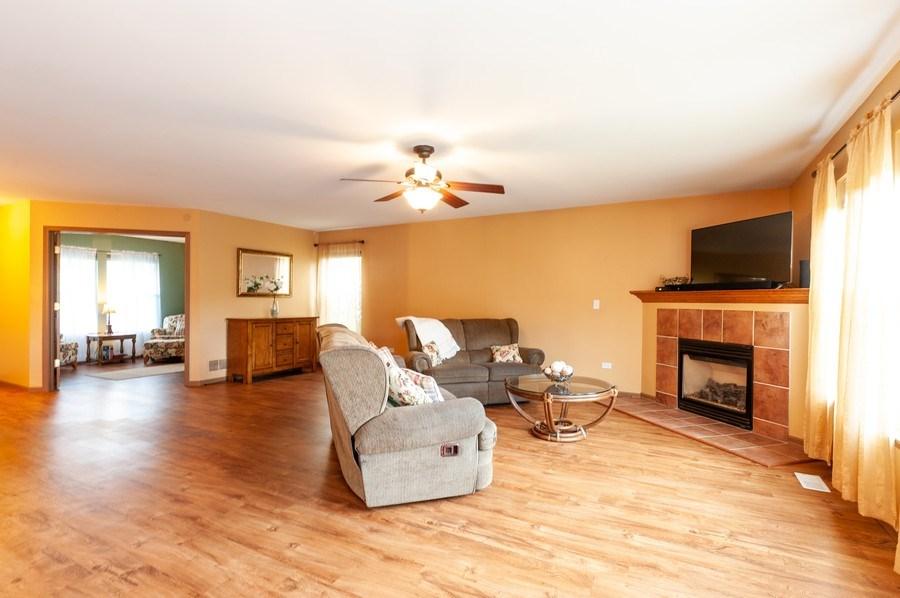 Real Estate Photography - 3912 Stonebridge Drive, Zion, IL, 60099 - Living Room