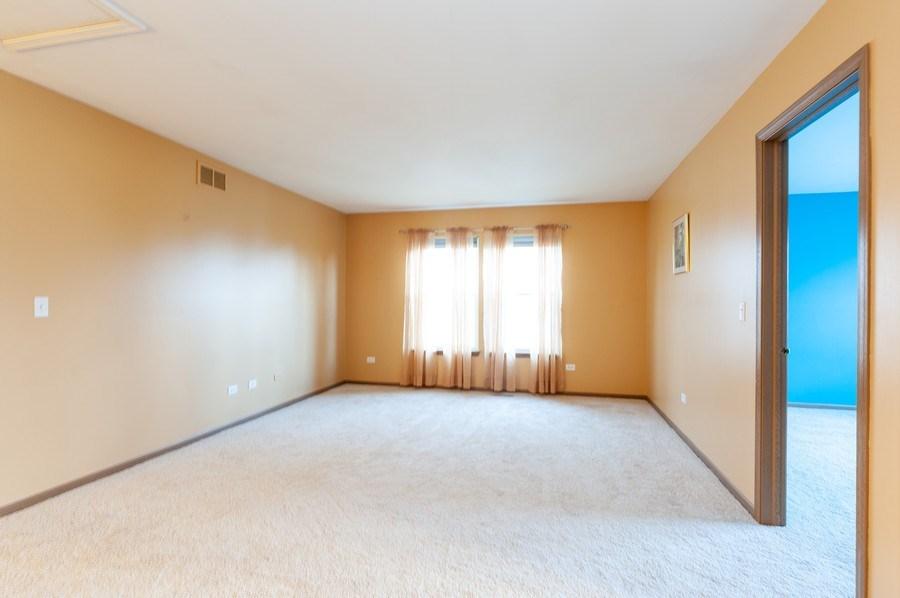 Real Estate Photography - 3912 Stonebridge Drive, Zion, IL, 60099 - Loft