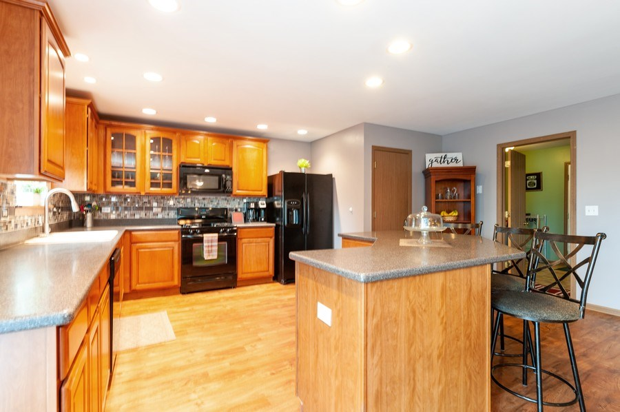 Real Estate Photography - 3912 Stonebridge Drive, Zion, IL, 60099 - Kitchen