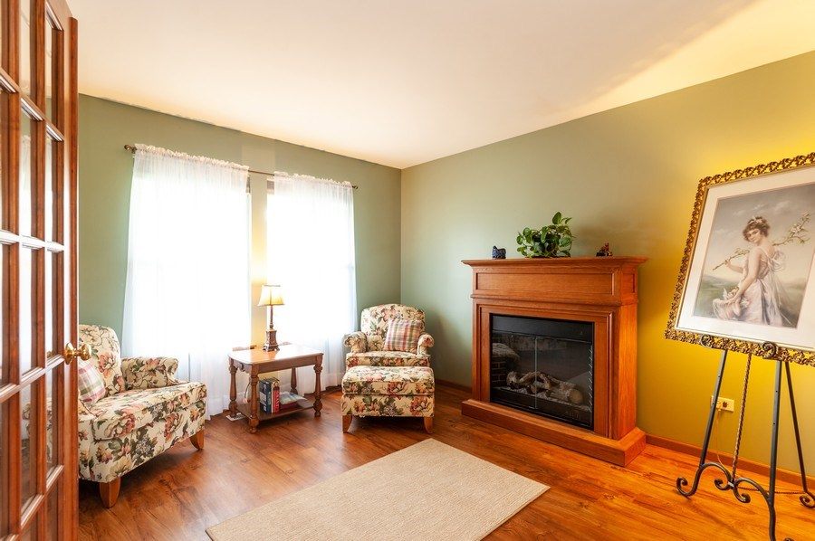 Real Estate Photography - 3912 Stonebridge Drive, Zion, IL, 60099 - Office
