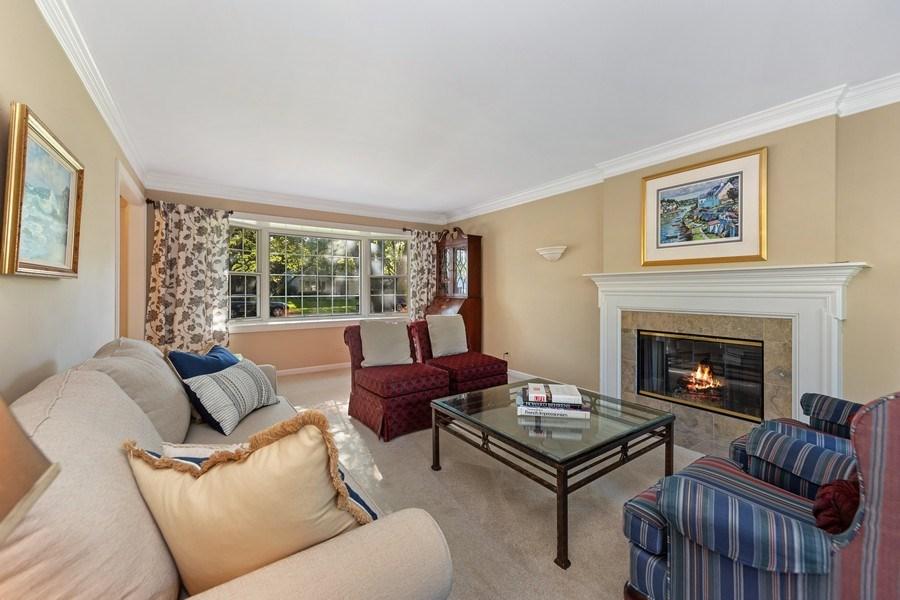 Real Estate Photography - 1937 Buckingham Drive, Wheaton, IL, 60189 - Living Room